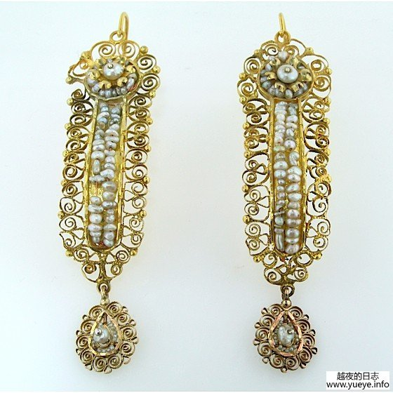 GOLD AND SEED PEARL EARRINGS